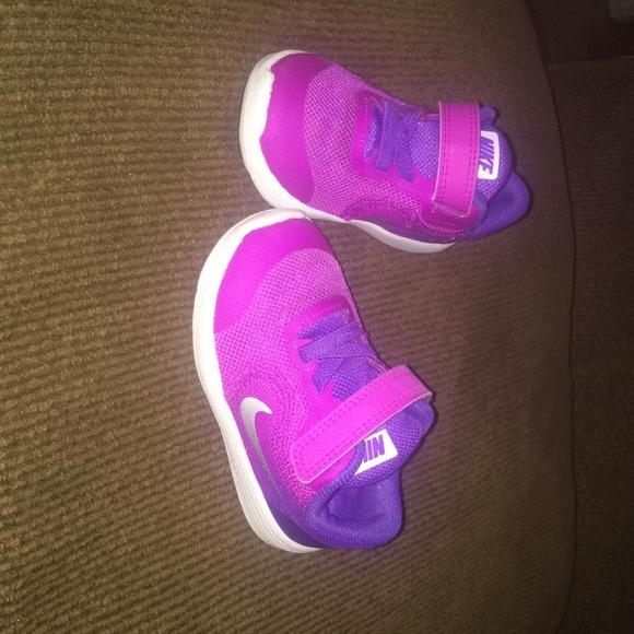 5C toddler girl Nike shoes